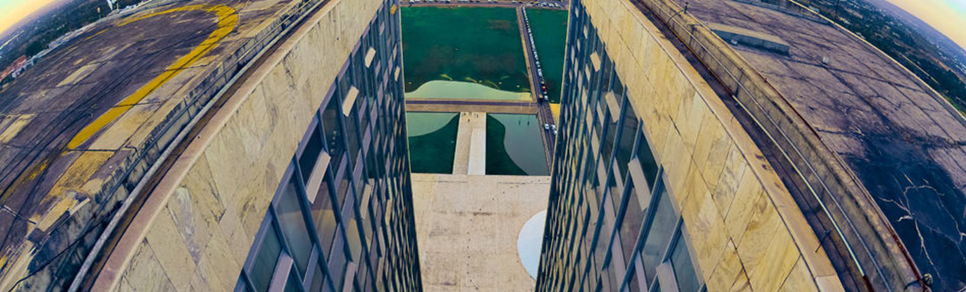 Vista aérea da Esplanada dos Ministérios a partir do teto do Congresso