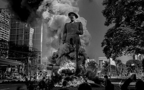 A guerra às estátuas e a política pública de memória