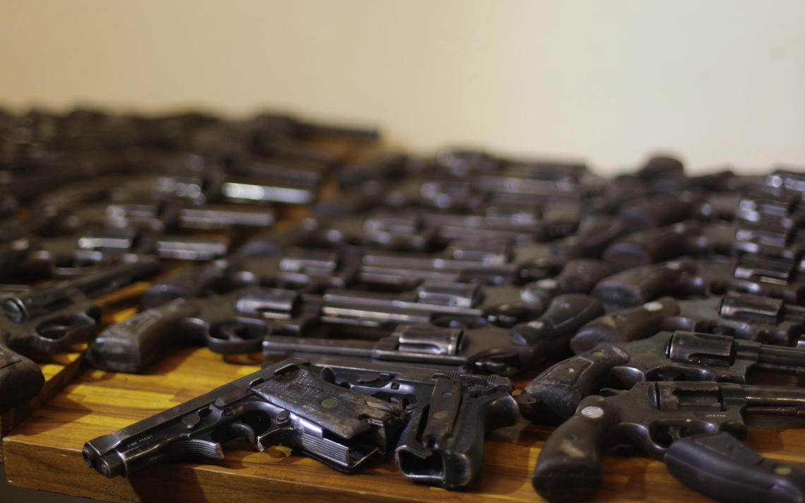 Armas entregues à polícia