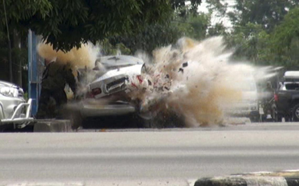 Explosão de carro bomba