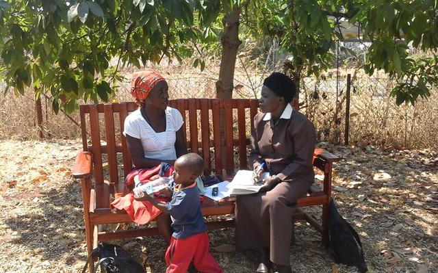 Em 2017, o programa Friendship Bench atendeu mais de 30 mil pessoas no Zimbábue