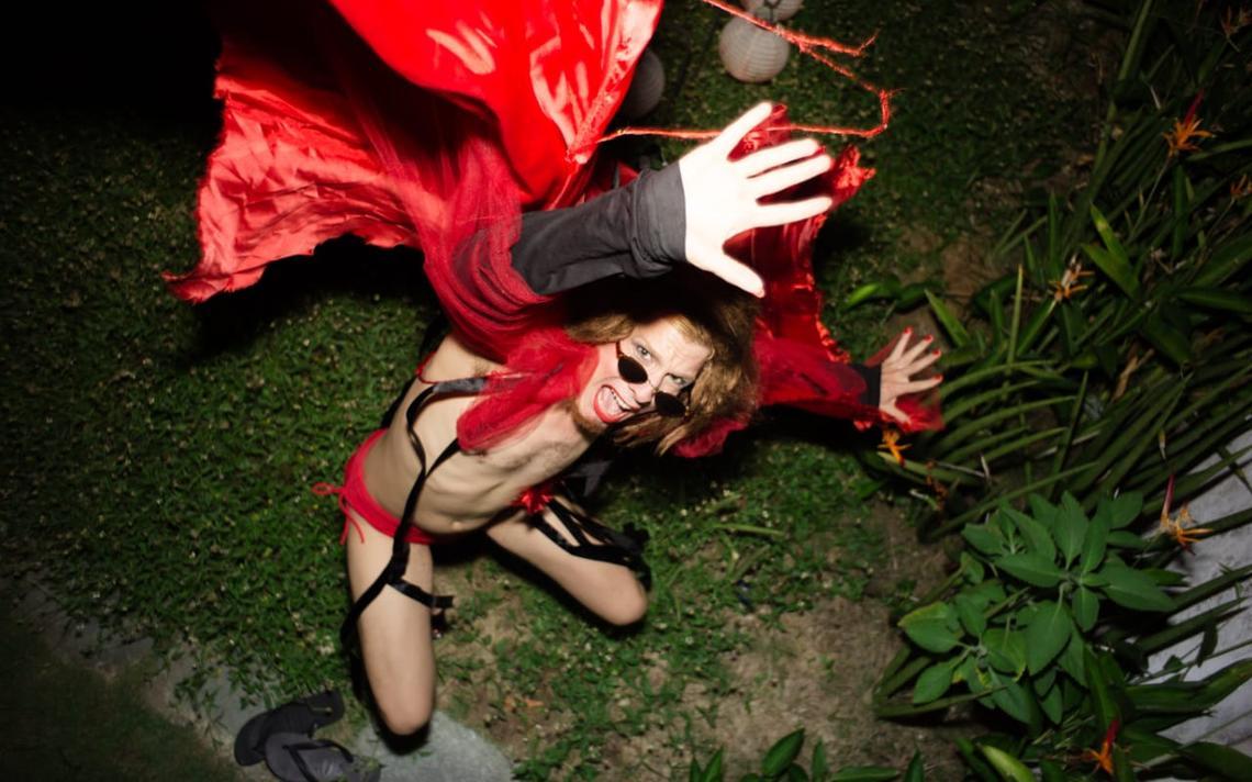 Foto de divulgação do single 'Aguenda', de Getúlio Abelha