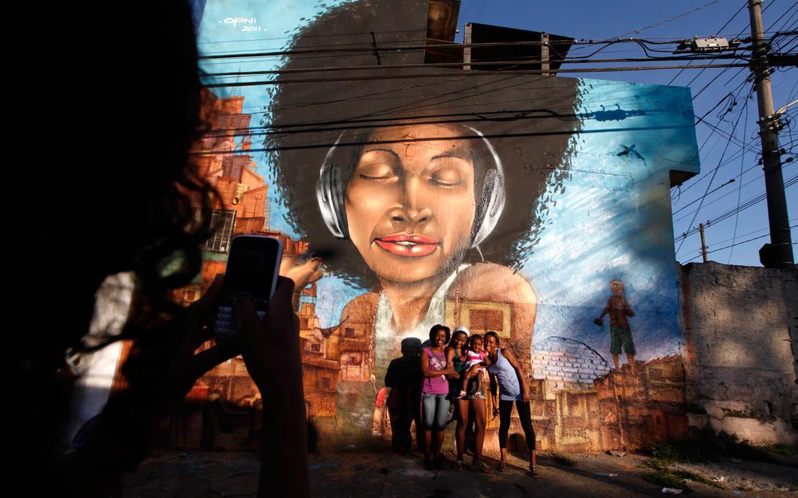 Grafite na favela Vila Flavia em São Paulo
