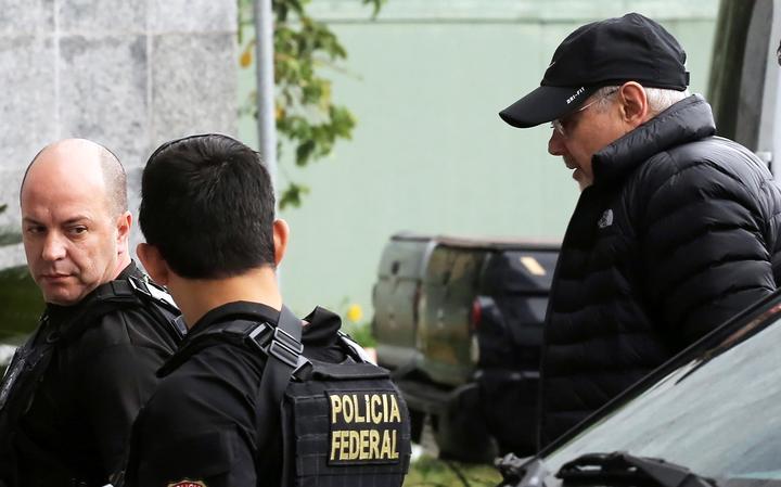 Guido Mantega levado pela Polícia Federal