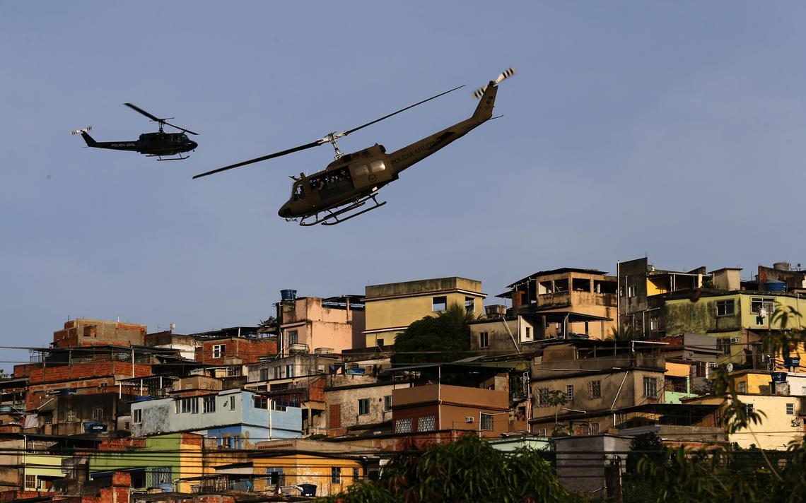 Jovem de 14 anos foi morto por bala perdida em meio a operação no Complexo da Maré, na quarta-feira (20)