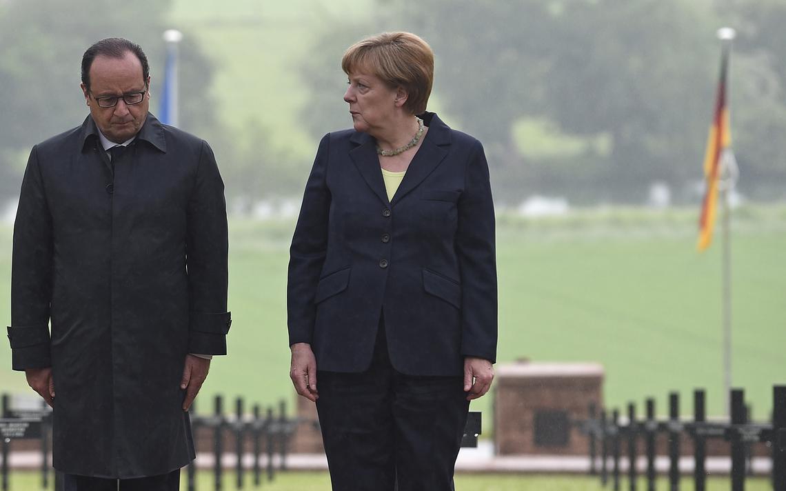 Hollande e Merkel em Verdun, na França