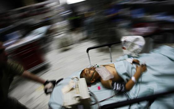 Por que o 'erro' de bombardear hospitais se repete tanto