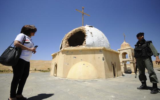 O que diz um padre cristão que ficou três meses aprisionado pelo Estado Islâmico