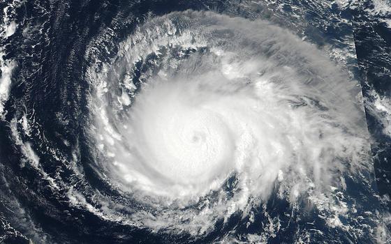 Furacão mais forte que o Katrina chega à costa americana