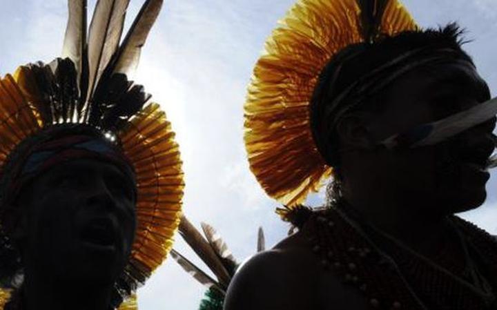 Indígenas durante protesto na conferência ambiental Rio+20, que aconteceu em 2012