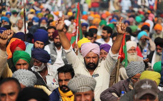 Como o 'maior protesto do mundo' pressiona o governo da Índia