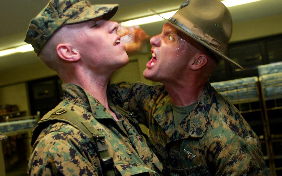 Instrutor dos fuzileiros navais americanos