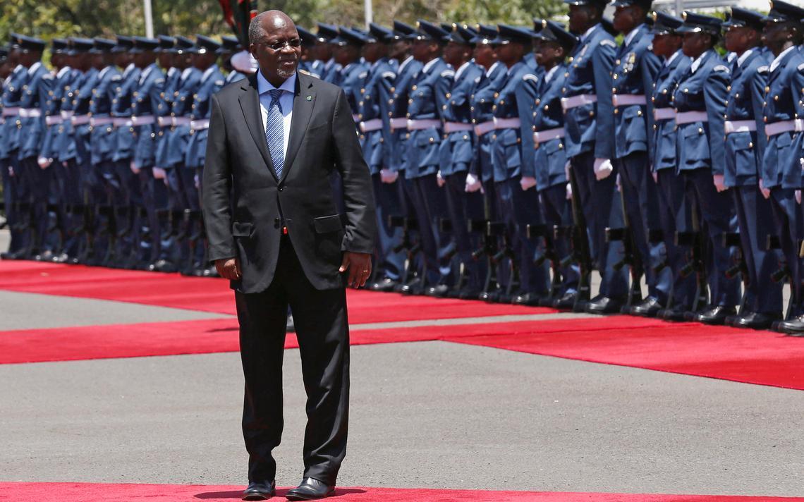 O presidente tanzaniano John Magufuli, em visita ao Quênia em outubro de 2016
