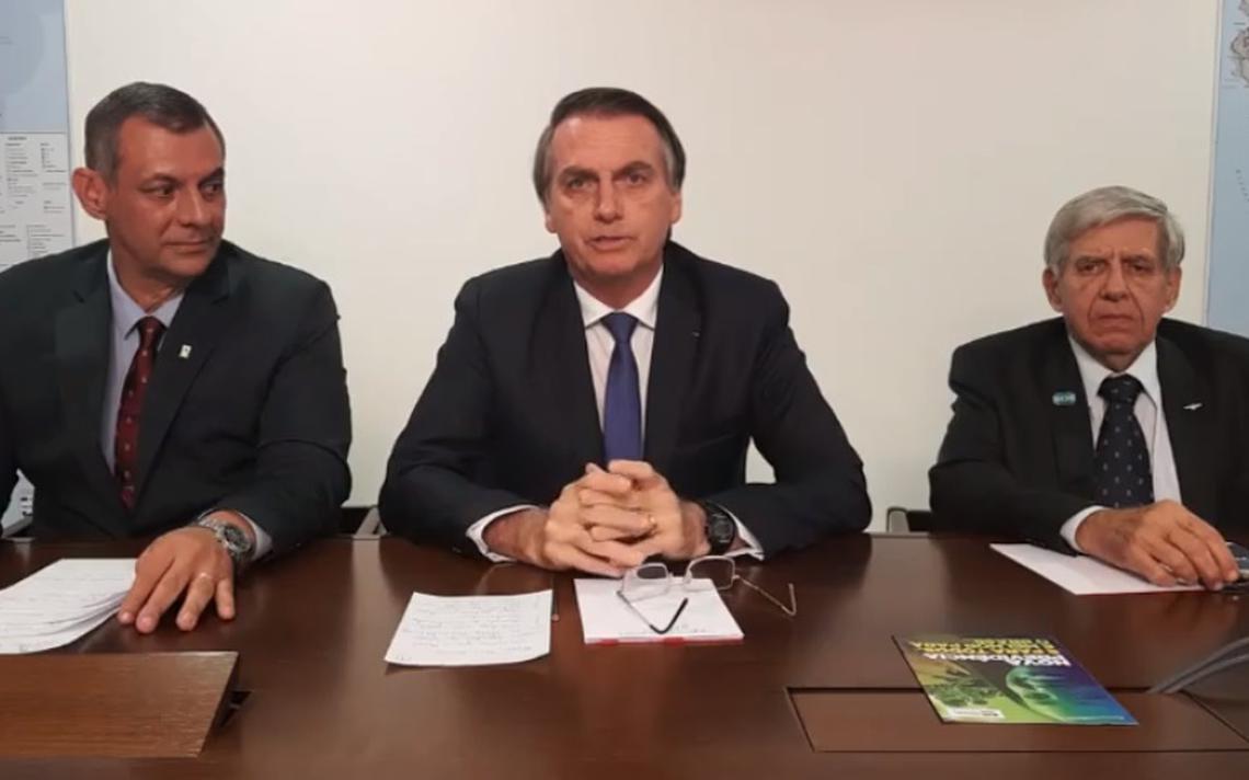 Transmissão ao vivo feita por Jair Bolsonaro