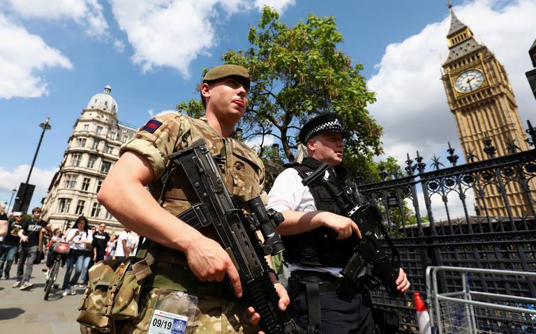 Forças armadas britânicas foram escaladas para ajudar na segurança cotidiana