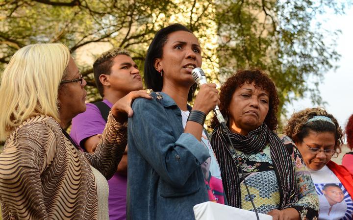 Participantes do movimento Mães de Maio inauguram memorial sobre crimes de maio, no Centro Cultural Jabaquara, em 2016