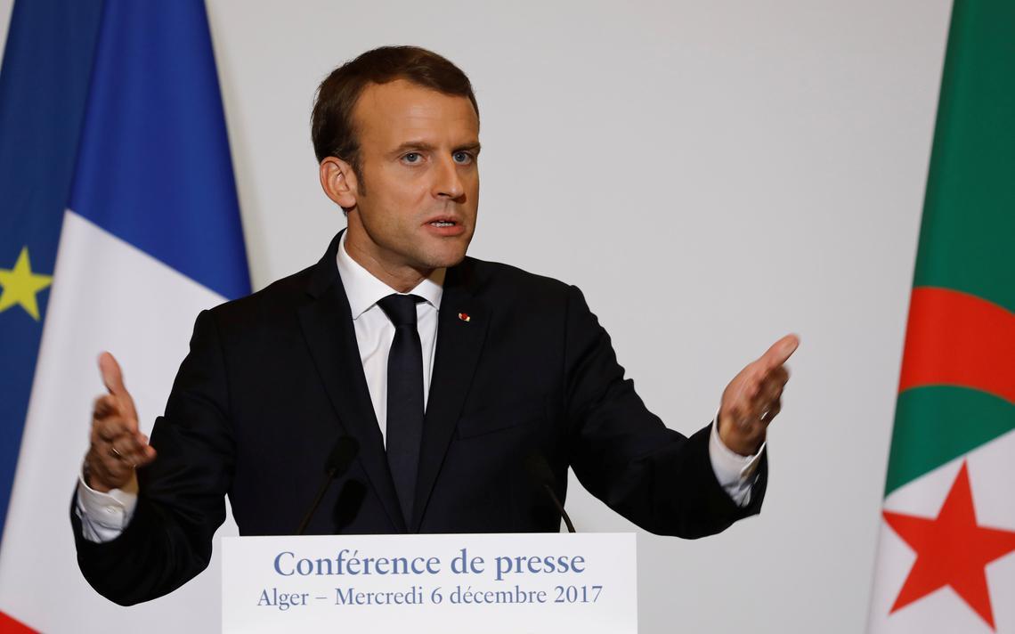 Emmanuel Macron em visita à Argélia em dezembro de 2017