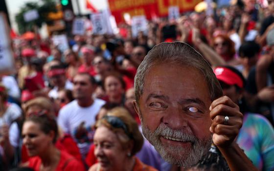 Como fica o discurso de Lula de que sua condenação é política