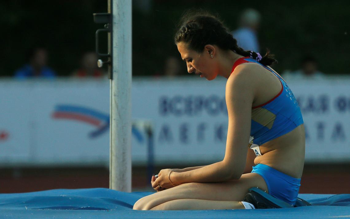 Maria Kuchina, atleta Russa que pratica salto com vara e está entre as barradas da Olimpíada