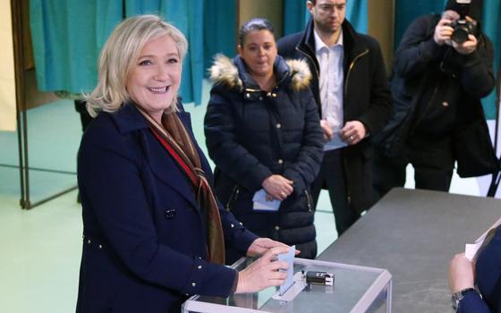 A extrema direita francesa comemora, mesmo perdendo as eleições