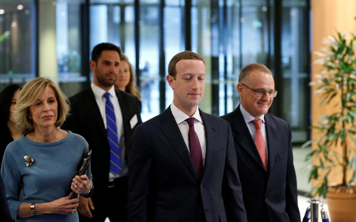 Mark Zuckerberg antes de falar ao Parlamento Europeu sobre o uso inadequado de dados de usuários, em maio de 2018