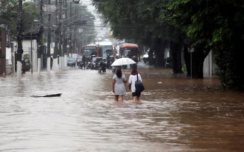 Os rios e as cidades: como resolver a questão das enchentes