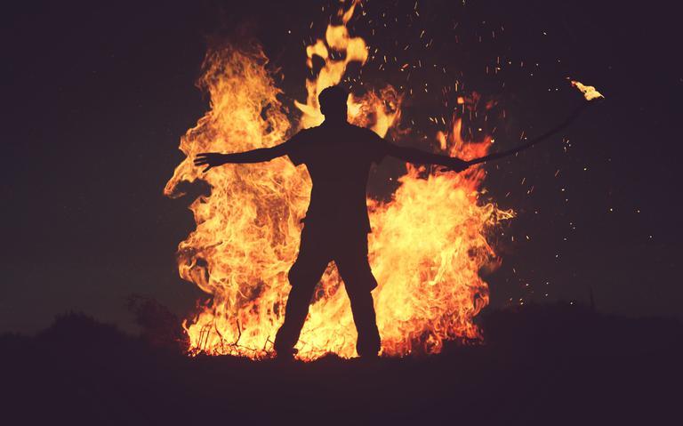 Mulheres eram denunciadas, julgadas e, se condenadas, queimadas na fogueira