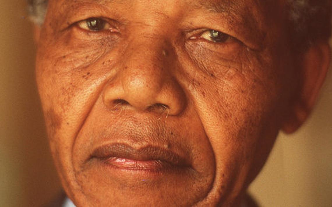 Nelson Mandela, líder sul-africano que ganhou destaque mundial na lutra contra o Apartheid, faleceu em 2013