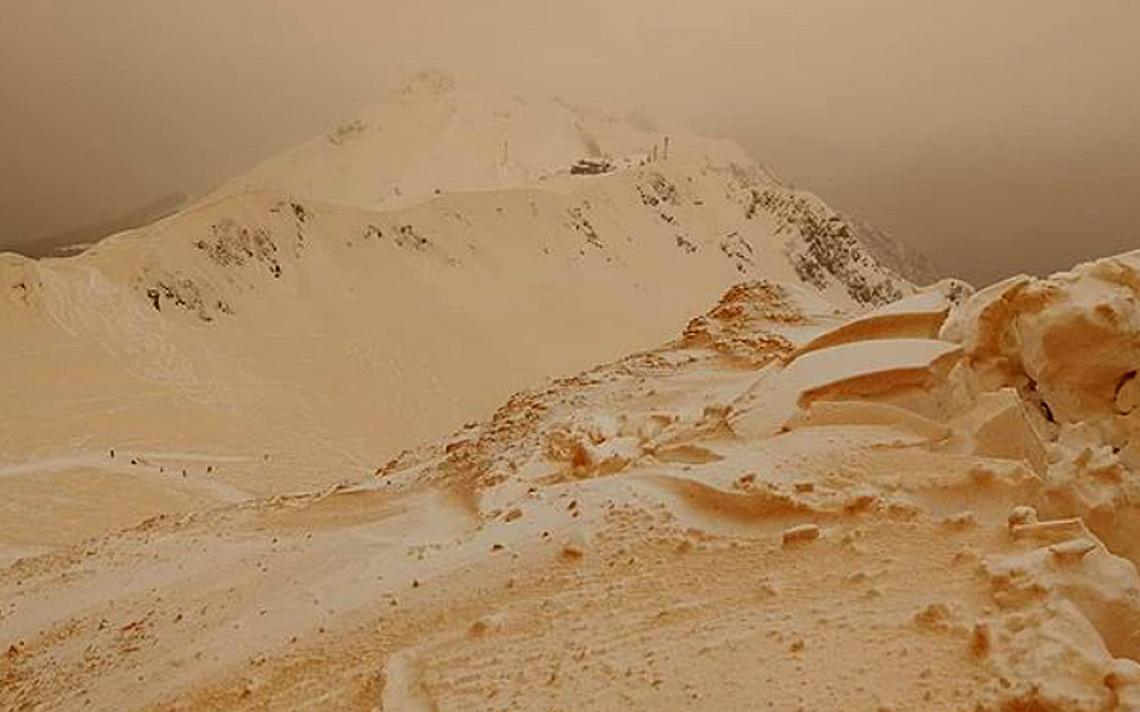 Neve em Sóchi, na Rússia, ficou totalmente coberta por areia vinda do Saara