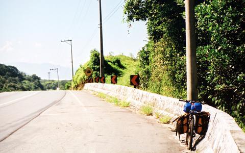 O que caracteriza acidentes com ciclistas em rodovias federais