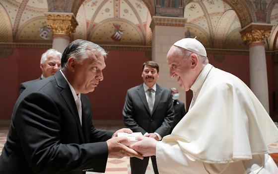 Como a Hungria de Orbán bifurca o catolicismo europeu