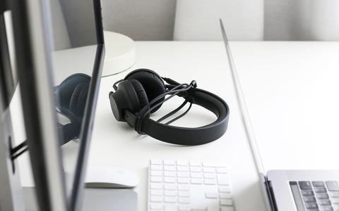 Os efeitos de ouvir música enquanto trabalhamos