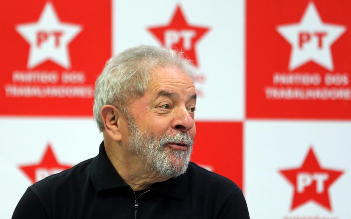 Lula participa de reunião com membros do PT, em setembro