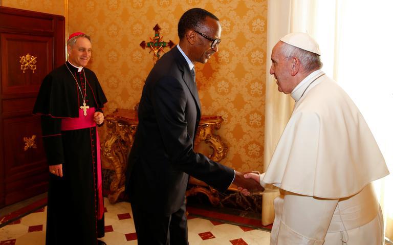 Pontífice pediu desculpas pelo papel da Igreja no genocídio
