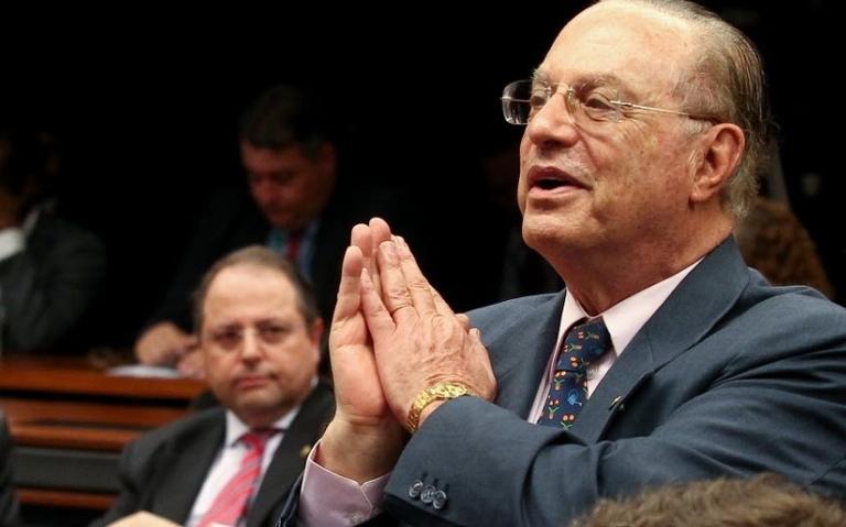 Maluf participa de comissão na Câmara