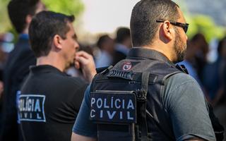 Policiais civis de São Paulo durante entrega de viaturas, em 2015