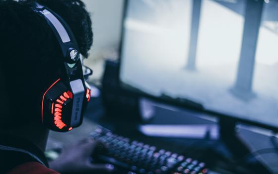 Por que tanta gente assiste a outros jogando videogame