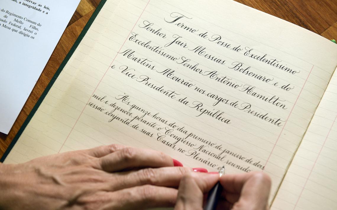 Termo manuscrito de posse.