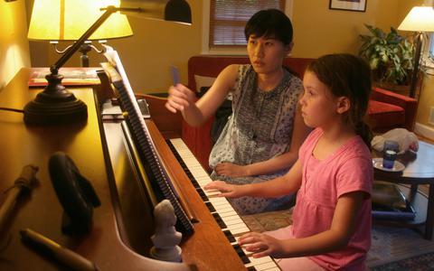 Prática musical acelera o desenvolvimento do cérebro em crianças