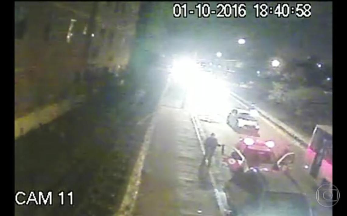 Três jovens estão presos há mais de 40 dias apesar de imagens de câmeras de segurança desmentirem polícia