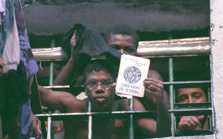 Prisioneiro no Carandiru, em São Paulo, em 1991