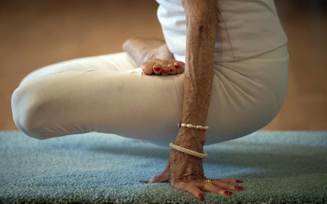 Professora de yoga de 93 anos de Nova York