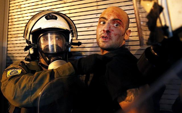 Manifestante ferido