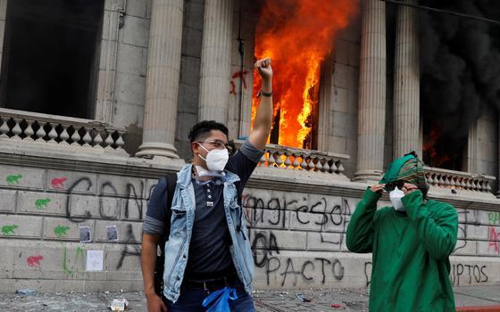 O que leva a população às ruas nos protestos da Guatemala