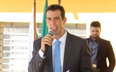 Quem é o novo convidado por Bolsonaro para assumir o MEC