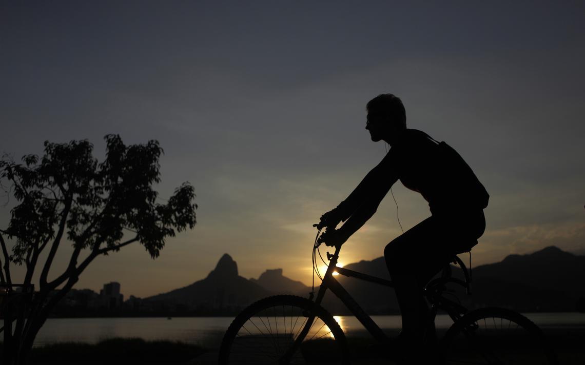 Fim de tarde durante período de horário de verão, no Rio