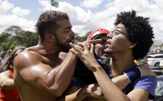 Do Facebook para as ruas: como o ódio político se transforma em violência física