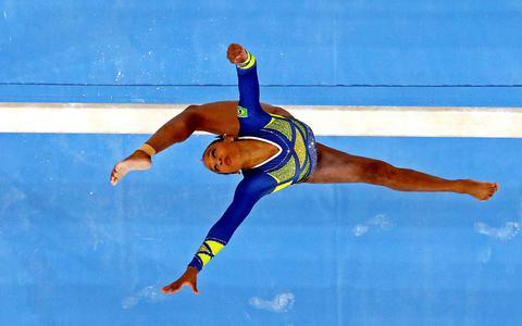 'Baile de favela': a 1ª medalha da ginástica feminina brasileira