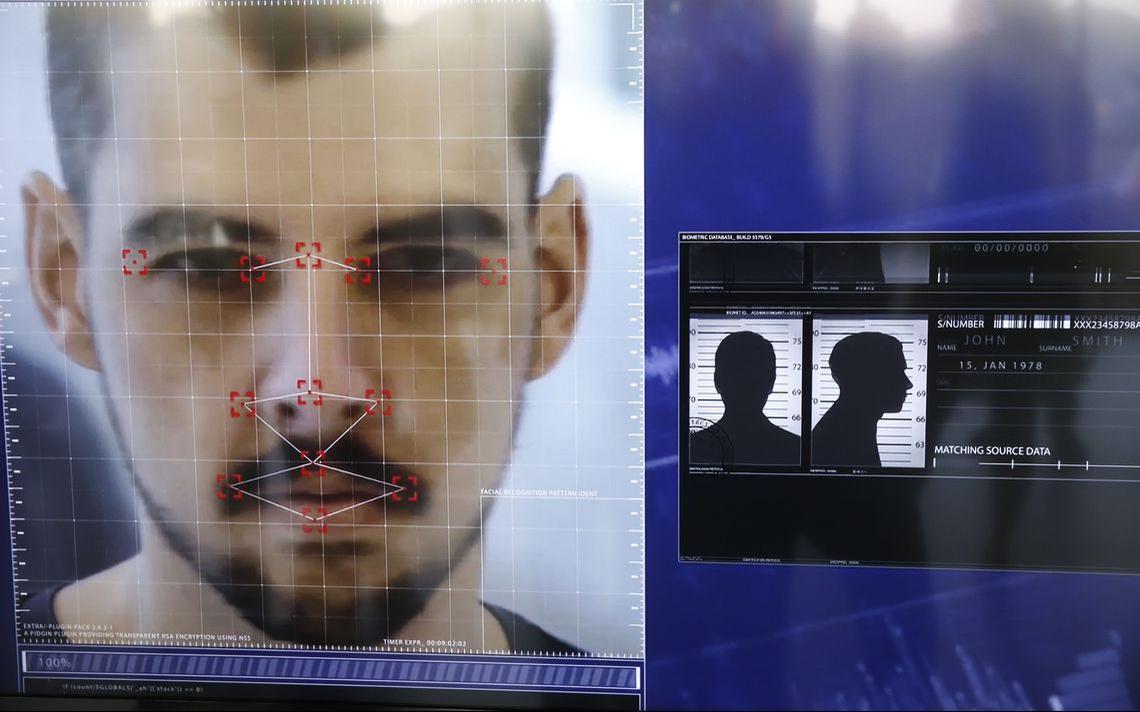 Demonstração, em dezembro de 2018, de software da empresa britânica The Staff of Security, usado no RJ com dados do Disque Denúncia