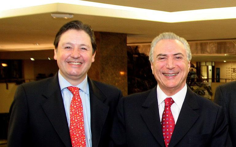 Rodrigo Rocha Loures ao lado de Michel Temer